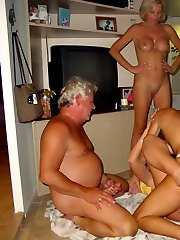 THE INTERNETS LARGEST AND ONLY Real 'INTERACTIVE' TRUE AMATEUR SWINGING HOUSEWIFE SITE!