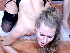 Dolled-up blonde gets her black seamed stockings jizzed after hard slamming