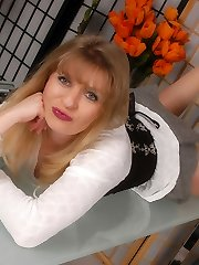 Angel the assistant in shiny and sheer suntan Pantyhose
