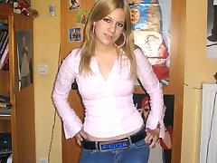 Skinny jeans sexily wrapping pretty bimbo's bodies