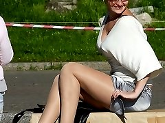 Sexy models give hot upskirt view