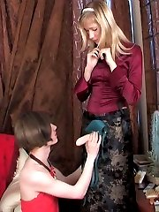 Dressed up sissy guy getting his asshole packed with a babe�s huge strap-on
