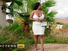 Ebony Milf bbw Layton Bento loves lil white men with large