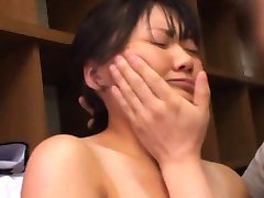 Amateur Asian honey has bee stings squeezed 18Tokyo.com