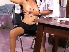 Thai Setar getting a doctor exam