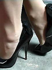 If chicks footwear make you go hard just by looking at them then Mel's nice classy shoes will do it for you. Just view at her thin tapered 5 inch heel, with her tender bow at the back and her ultra-cute pointed fronts