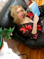 Nyloned mom seducing a young girl in grey tights into steamy pantyhose sex