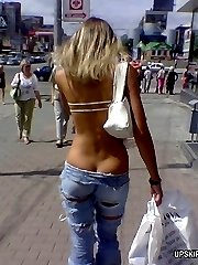 Great pics of beautiful women tight asses in blue jeans