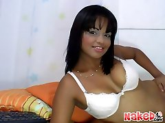 Hot columbian chica lexa strips and fucks herself on webcam in these private show pics