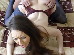 Luring hottie gets her little puckered hole ravaged by a horny muscle stud