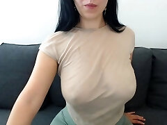 lexy_sweet wiggle her boobs