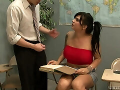 Shemale with huge tits receives a well deserved blowjob