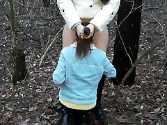 Лизала мне киску в лесу, пока я не кончила - IkaSmoks