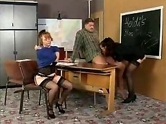 History Tutor Instructs Her Students On Bang-out