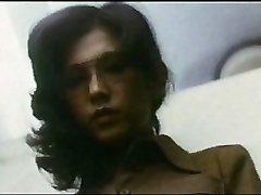 Female Schoolteacher : Boy Hunting (1975)