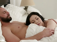 Wife with lush butt Lenna Lux is making love early in the morning