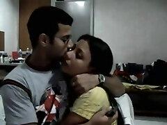 古典的なインドカップル