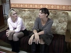 Dirty French dykes in lesbian act