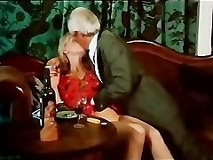 Vintage kissing and smoking episode