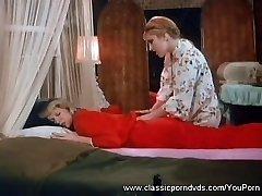 Nurses Gash Licking