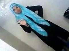 Sexy Arab School Student Reveals Her Assets To Boyfriend