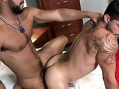 Muscle jock cummed over after anal pounding