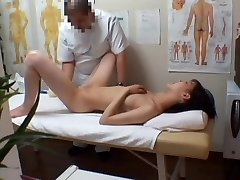 Massage sex web cam shoots Asian grimacing from deep fisting