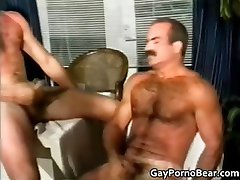 Two gay guys have fun sucking hard cock part5