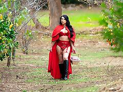 Little Crimson Riding Hood and Kleio Valentien
