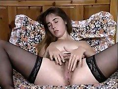 Crazy Vintage, Onanism adult clip
