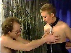 Short Hair Milfy Curvy Marionette Frau