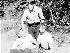 Tytot ja pojat samasta kylasta (1951)