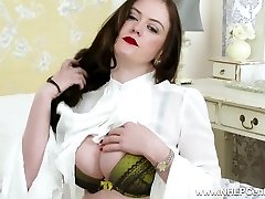 Big funbags natural brunette masturbates in retro nylons heels