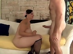 Plumper Cougar Savannah Star Riding A Yam-sized Dick