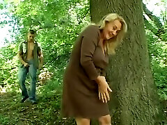 Aged Woman Gets Fucked Outside