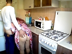 Son poked in the ample ass stepmom in the kitchen. Mother and stepson anal