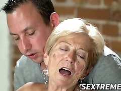 Old seductress eaten out before big manstick injection