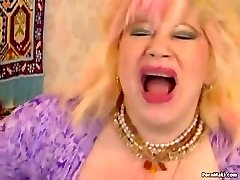 Chubby Granny Likes Fisting and Fucknig