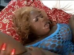 Horny ugly black girl fucked in her fat cunt