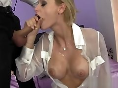 Erotic babe Erica Fontes gives filthy head