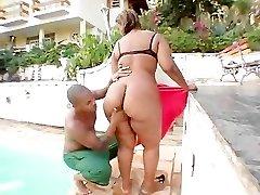 Nanda Enourmous Backside