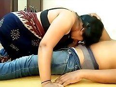 Indian Big Boobs Saari Woman Blowjob and Slurping BF Cum