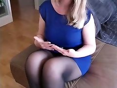 Sandra - Amazing busty tights slut