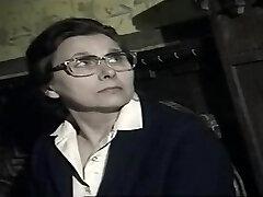 Captivating buxomy experienced lady gives a magic blowjob