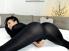 brunette legging ass twerk