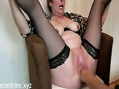 Mature Extreme Handballing with Orgasm Squirting