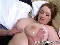 Bignaturals - Love her clover