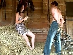 Amateur barn xxx flash