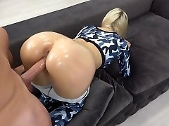 Sporty Teenie with oily rectal gets huge blast on ass / grinding in yoga pants