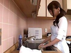 Huge unloading japanese mom by airliner1